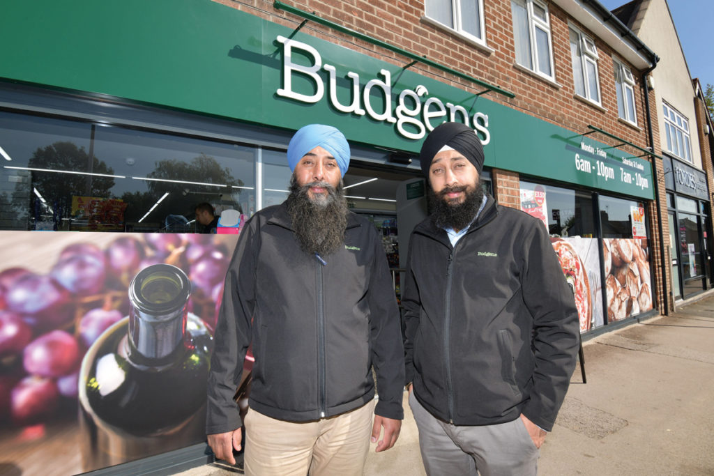 Kam (right) and Dal (left) Nijjer of Budgens Meriden