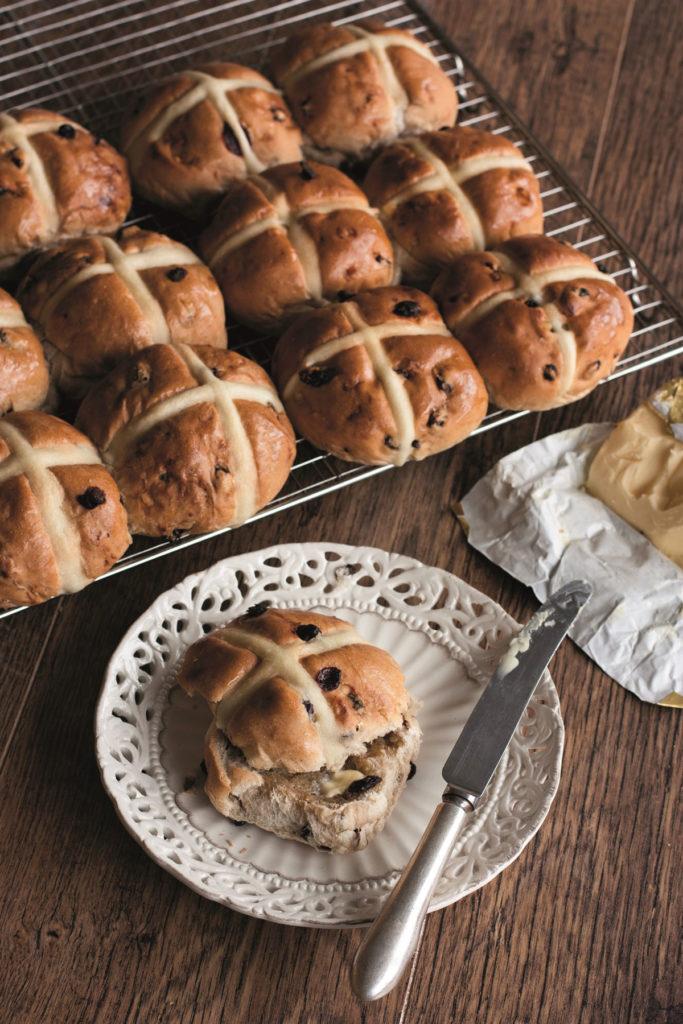 Delice de France Easter bakery hot cross buns